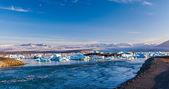 Glacier and meltwater at Joekulsarlon — Stock Photo