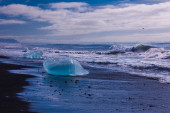 Lake with icebergs — Foto Stock