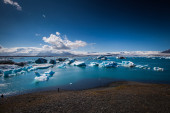 Glacier lagoon Jokulsarlon in Iceland — Stock Photo