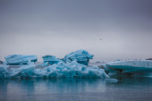 Galleggianti iceberg blu — Foto Stock