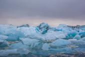 Flytande blå isberg — Stockfoto