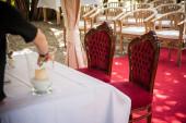 Dos sillas viejas de la boda de la vendimia — Foto de Stock