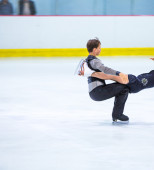Salome Gehmlich and Samuel Steffan at the Ice Dance — Stock Photo