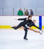 Aliena Schober and Dima Galyutin at the Ice Dance — Stock Photo