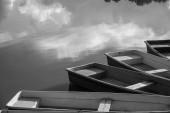 Bateaux nageant sur l'eau — Photo