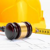 Judge gavel with protective helmet and measure tape - 1 to 1 ratio — Stock Photo