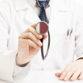 Doctor holding stethoscope with flag series - Qatar — Stock Photo