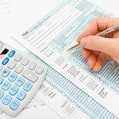 Filling out 1040 US Tax Form — Stock Photo
