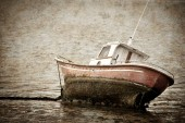 Houten boot — Stockfoto