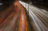 Feux de voiture dans la nuit — Photo