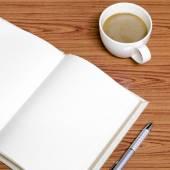 Caffè e notebook — Foto Stock