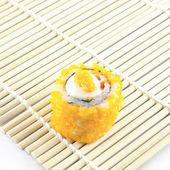 свежие суши традиционной японской кухни — Стоковое фото