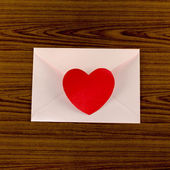 Red heart with pink envelope — Stock fotografie