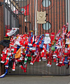 Liverpool, UK, April 15 2014 - Scarves hung to commemorate the 2 — Stock Photo