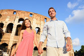 Couple in Rome by Colosseum walking — Foto de Stock