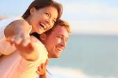 Couple laughing in love on travel — Stock Photo