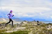 Woman running  in cross country — Foto de Stock