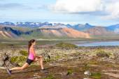 Girl doing lunges exercise in nature — Stock Photo