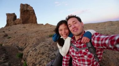 Couple taking self portrait — Stock Video