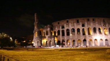Colosseum, gece. — Stok video