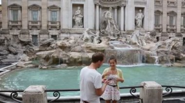Rome couple taking picture — Stock Video