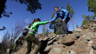 Hiking woman needs help — Stock Video