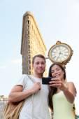 Couple taking selfie Flatiron NYC — Stock Photo