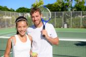 Tennis players on tennis court outside — Stock Photo