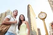 Tourists visiting in front of Flatiron building — Stock Photo