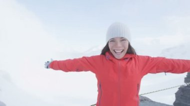 Woman on on top of Jungfrau mountain — Stock Video