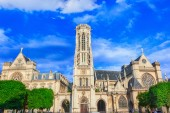 Church Saint-Germain-l'Auxerrois — Stock Photo