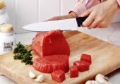 肉を切る — ストック写真