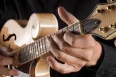 Playing a classic mandolin — Stock Photo