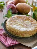 Spanish omelette with potato and egg — Stock Photo