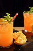 Refreshing drink orange and mint — Stock Photo
