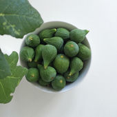 Bowl of figs — Stock Photo