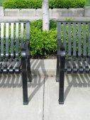 Metal Park Benches in an Urban Area — ストック写真