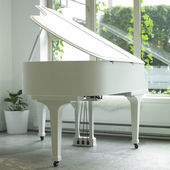 White piano — Stock Photo