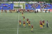 American Football Match Between Wolves And Blue Dragon — Stock Photo