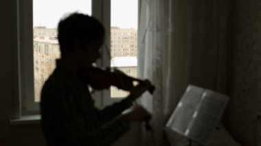 Boy musician with violin — 图库视频影像