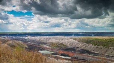 Górnictwo odkrywkowe, upływ czasu — Wideo stockowe