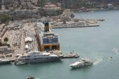 """NICE, France, JUNE 28, 2014 : view of the harbor """"Lympia"""" from Castle Hill arriving at the ferry company """"Corsica Sardinia Ferries' , Cote d'Azur — Foto de Stock"""
