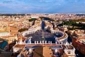 Vista panoramica della città di Roma e Piazza San Pietro, dall'alto della cupola della basilica di San Pietro — Foto Stock