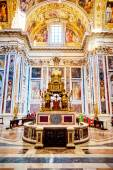 ROME, ITALY - OCTOBER 30: The interior of the church of St. Mary Major, Santa Maria Maggiore is full of works of art, valuable objects and relics in Rome, Italy on October 30, 2014. — Stok fotoğraf
