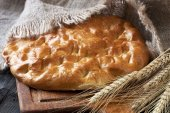 Freshly baked  traditional   turkish bread — Foto Stock