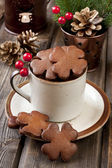 Christmas gingerbread in ceramic cup — Stock Photo