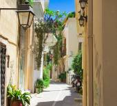 Streets in the old part of the city Retno, Crete, Greece. — Stock Photo