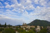 Cloudscape on Pyrenees town — Stock Photo