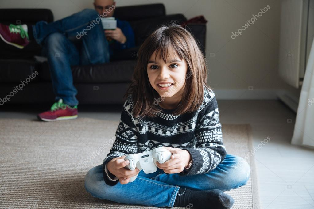 Миленькая девочка видео фото 540-524