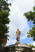 Buddha statue with blue sky — Stock Photo